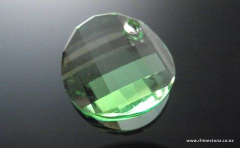 Swarovski Twist Art 6621 Peridot 18mm